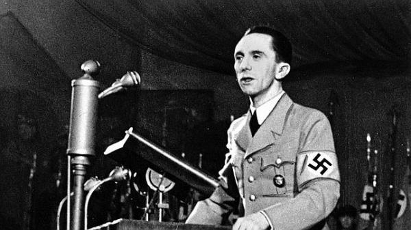 """La conocida frase de Joseph Goebbels: """"Una mentira repetida mil veces se convierte en verdad"""". ¡Qué se puede hacer si uno de estos zumbaos alcanza puestos de poder!"""