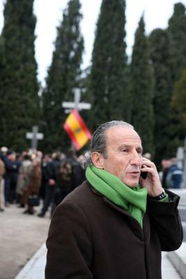 Petón en el homenaje de los fascistas falangistas a la División Azul