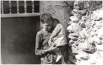 Fotos hechas por los fascistas falangistas de la Almería de 1943