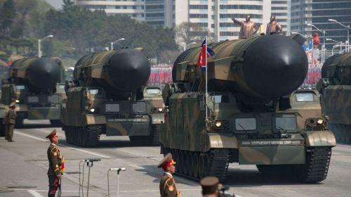 Misiles en desfile militar de Corea del Norte