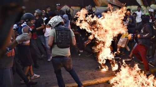 Quemado vivo en Venezuela