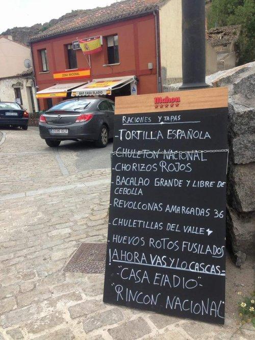 Bar fascista en Ávila